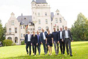 Foto (v. l.): Dr. Bernd Sobottka, Dr. Martina Böge, Matthias Opdenhövel, Dr. Thomas Moldzio, Dr. Henrike Peiffer, Arnd Peiffer, Dr. Henning Görtz, Matthias Mickeleit