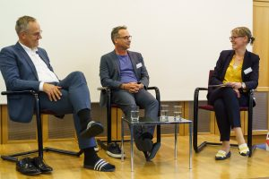 Foto (v. l.): Dr. Thomas Moldzio, Matthias Opdenhövel, Dr. Martina Böge